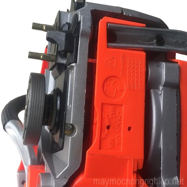 may-cua-xich-cua-loc-cam-tay-dung-xang-chainsaw-5200-gia-re 2