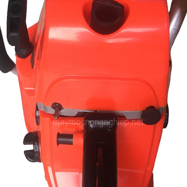 may-cua-xich-cua-loc-cam-tay-dung-xang-chainsaw-5200-gia-re 4